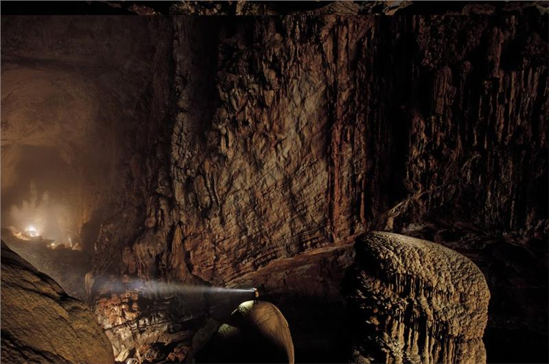 inside-son-doong-cave-875