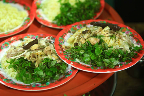 The must-try chicken rice of Hoi An. Photo by Tuan Dao