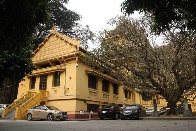 The National Museum of Vietnamese History, located at 1 Pham Ngu Lao Street, Hoan Kiem District, was built in 1910 and redesigned between 1926 and 1932 by the architect Ernest Hébrard. The museum's exhibits highlight Vietnam's prehistory up to the August 1945 Revolution. Photo: Hieu Cong