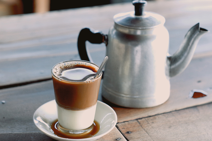 coffee-that-s-been-brewing-for-50-years-in-south-vietnam-08