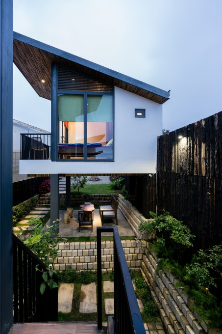 da-lat-house-s-clever-use-of-waste-10