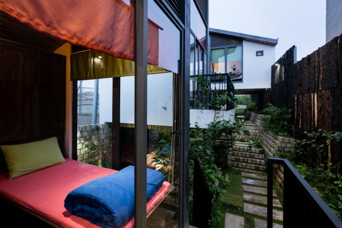 da-lat-house-s-clever-use-of-waste-11